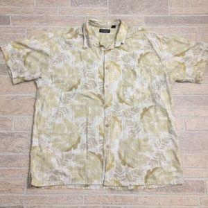 Roundtree & Yorke Button Down Hawaiian Shirt